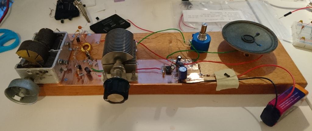 Regenerative Receiver Projects. Wooden Version. Wiring. Regenerative Radio Receiver Schematics Using J310 At Scoala.co